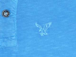 American Eagle Outfitters AE Mens Medium Blue 2 button Henley Shirt
