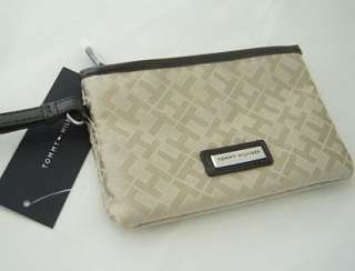 Nwt $29 Authentic Tommy Hilfiger Womens Small Wristlet Bag Khaki