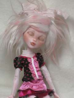 Custom/Repaint Mattel Monster High Doll, BJD *Sleepy Draculaura