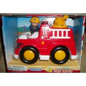 Large Red Fire Truck with Real fireturck sounds.Fireman