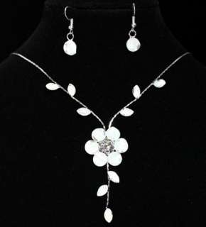 Pretty White Flower Crystal Necklace & Earrings Set
