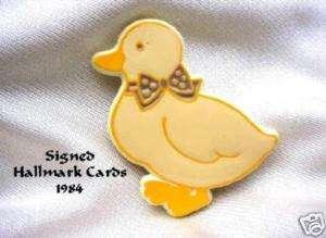 Cute Duck Purple EASTER BOW Plastic Pin Hallmark Card