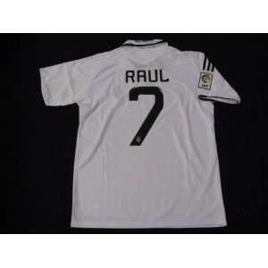 08 09 REAL MADRID JERSEY RAUL + FREE SHORT (SIZE M