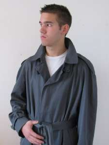 AQUASCUTUM LONDON MANS GRAY HOUSE CHECK LINED BELTED OVER COAT TRENCH