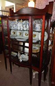 ANTIQUE 1910 MAHOGANY 4 CHINA CABINET W LEADED GLASS |