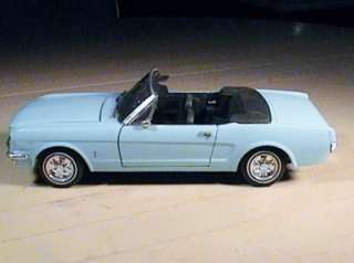 Revell 1965 Ford Mustang Convertible Blue 1/18 Diecast