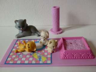 Vintage Kenner Littlest Pet Shop Mum & Kittens Toy Set