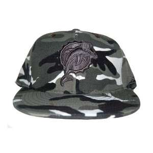 New Reebok Miami Dolphins Fitted NFL Hat   Grey Camo (Size