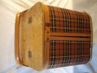 HERE IS A VINTAGE REDMON WOVEN WICKER RED TARTAN PLAID PICNIC BASKET