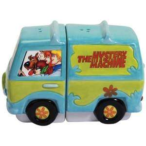 Scooby Doo Gang and Mystery Machine Salt and Pepper Shakers shaker Set
